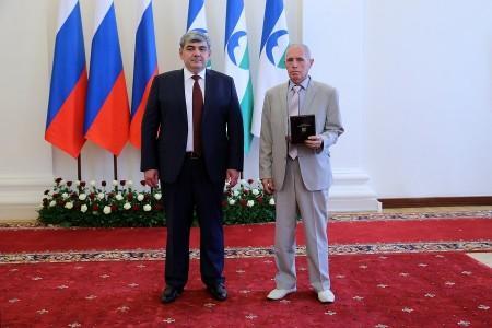 Глава КБР Казбек Коков вручил медицинским работникам государственные награды